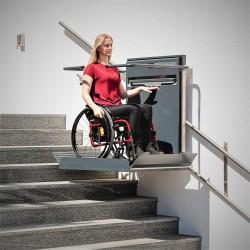 ASCENDOR platform stair lift